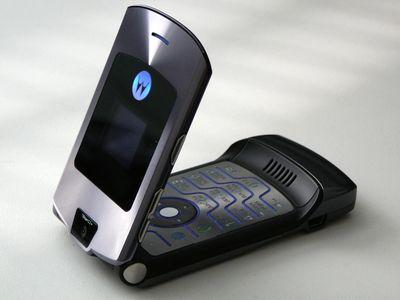 1280px-Motorola_RAZR_V3i_03.jpg
